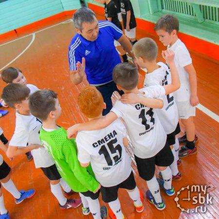 Вячеслав Шипицын напутствует своих воспитанников